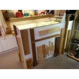 Mostrador vitange recto blanco y madera.