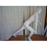 Maniquí  caballero deportivo sport, postura posición carrera, blanco pelo tallado.